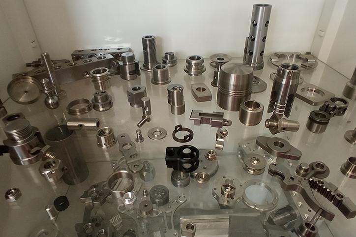 części metalowe, stalowe